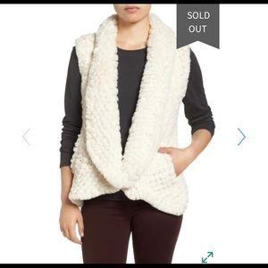 NWT Nordstrom Rack Love Token Faux Fur Vest L